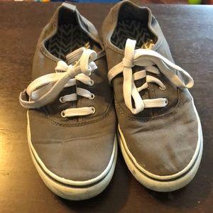 ⚡️Flash Sale⚡️ Gray Tennis Shoes